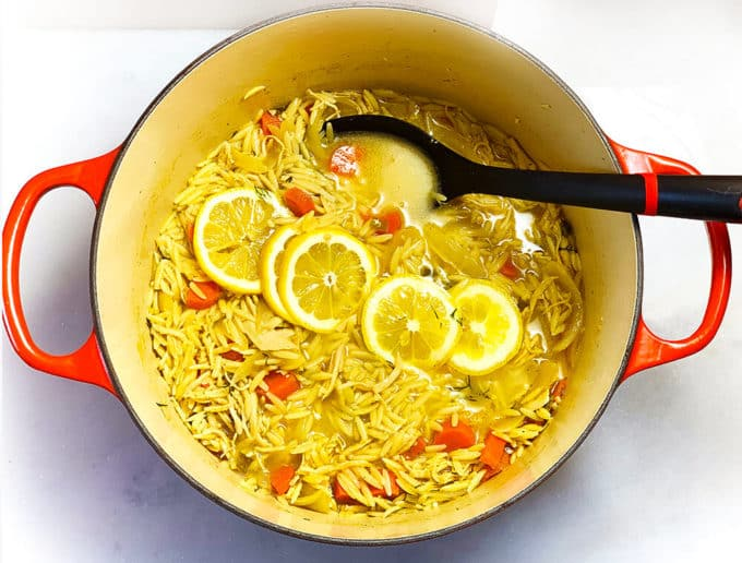 A super easy lemon chicken orzo soup, ready in only 25 minutes!